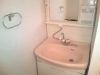あきらめていた洗面所のカビ汚れを綺麗に洗浄します。