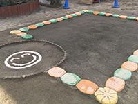 子どもたちが毎日使う場所だからこそ、抗菌処理された安心な砂場を提供します。